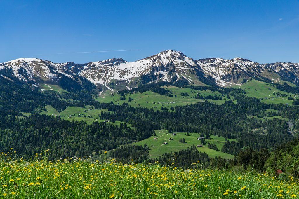 Bergwandern zum Gipfel Renkknie