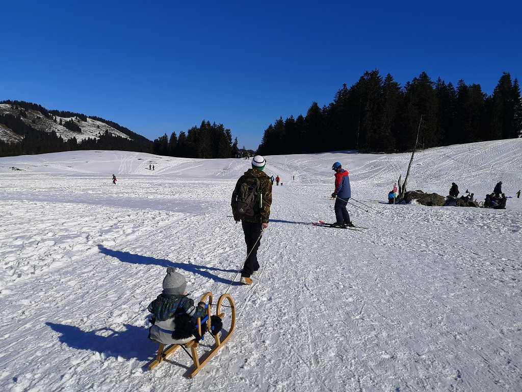 Wandern mit kleinem Kind im Winter